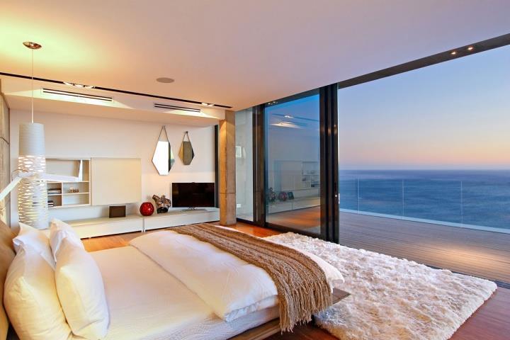 Удивительные виды на океан прямо с спальни (9)