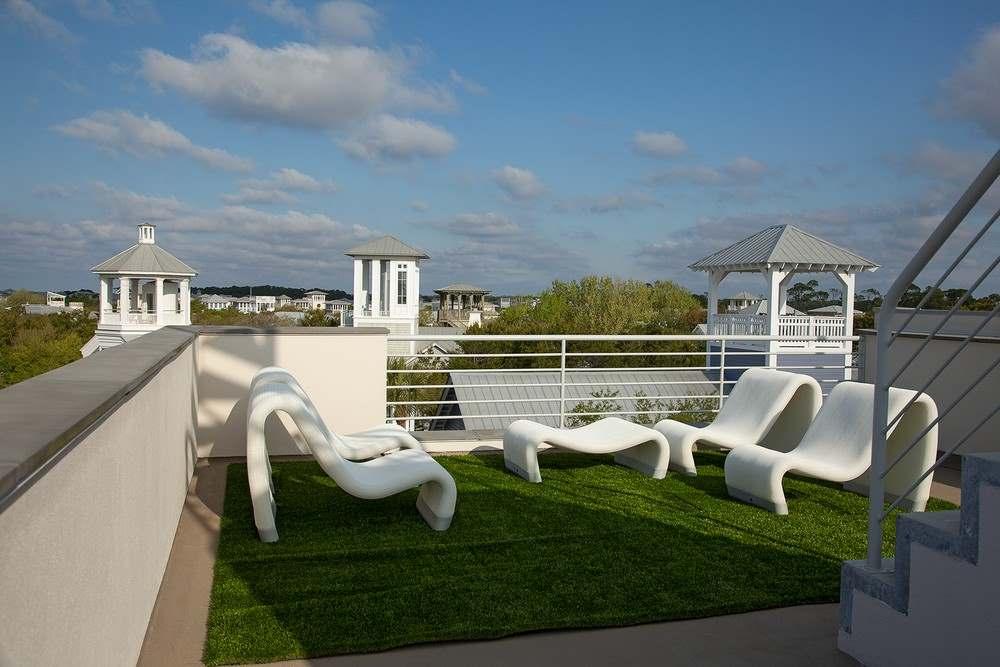 Экстерьер трехэтажного загородного дома во Флориде4