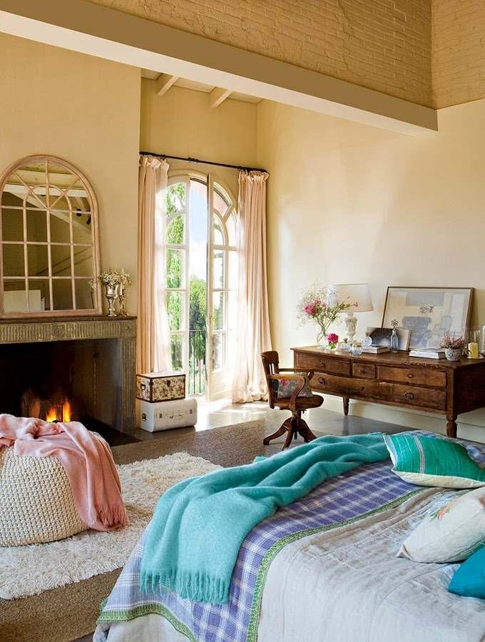Красивая бежево-голубая спальня в винтажном стиле2