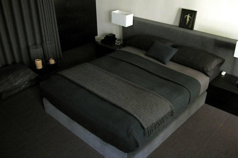 Дизайн спальни в черно-белой гамме14
