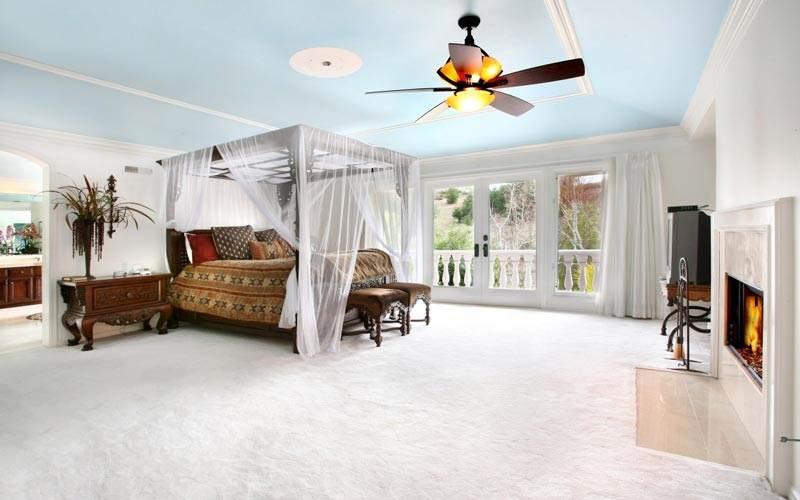 Идеи для спальни. Кровать с балдахином