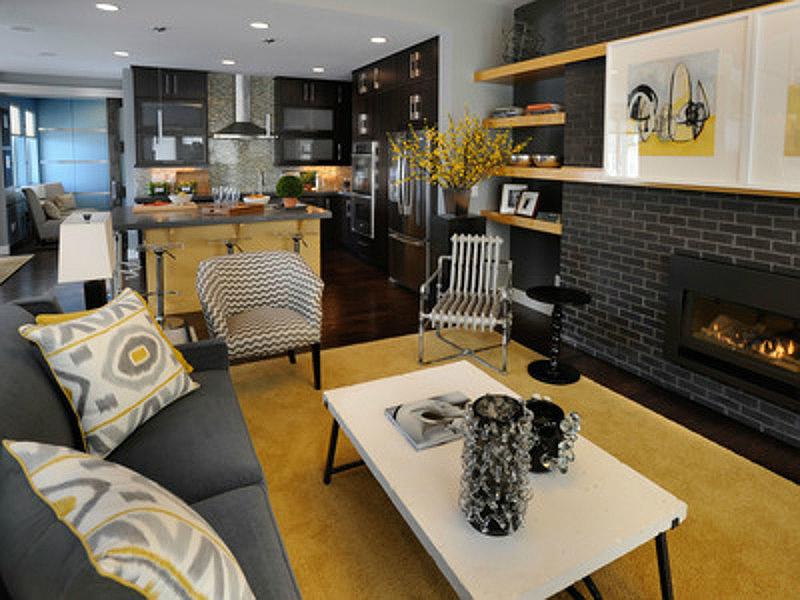 желтый цвет в интерьере гостиной3
