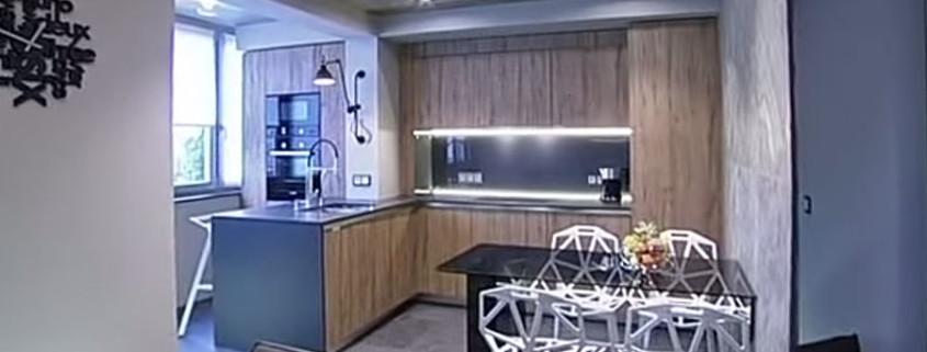 стильная-кухня-с-камином