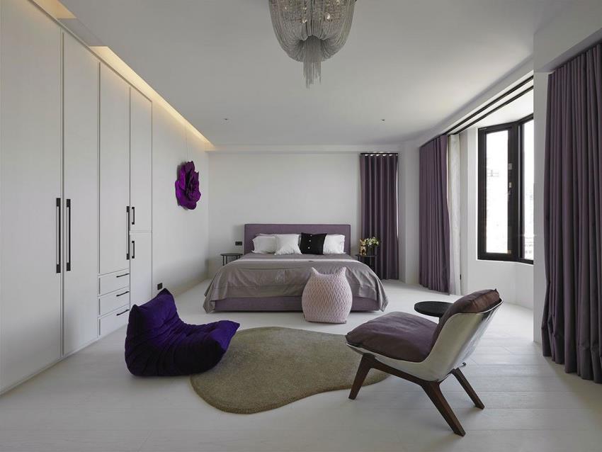 Интерьер современной квартиры приправленный красками (11)