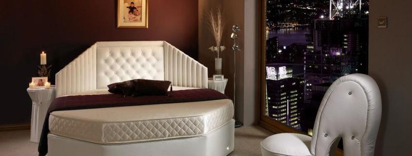 Потрясающий дизайн спальни с круглой кроватью (23)