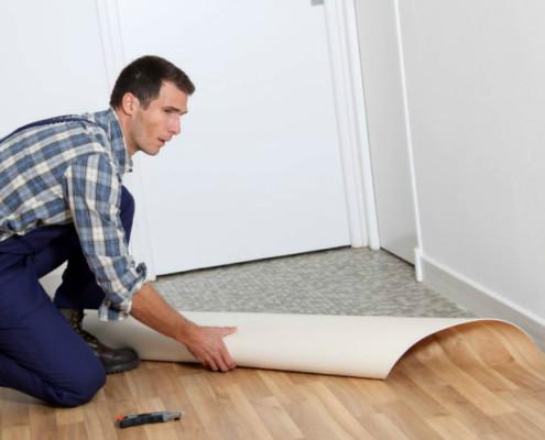 Как постелить линолеум на фанерный пол