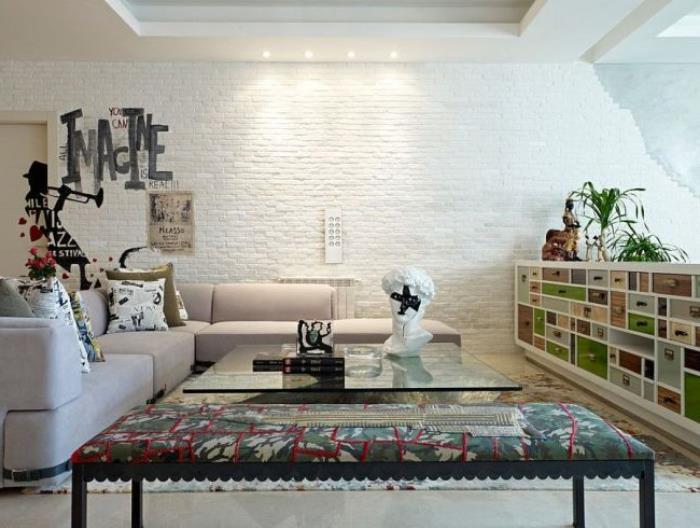 белая кирпичная стена в интерьере (10)