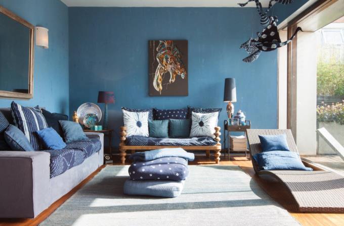 Интерьер в синих тонах, сочетание с другими оттенками