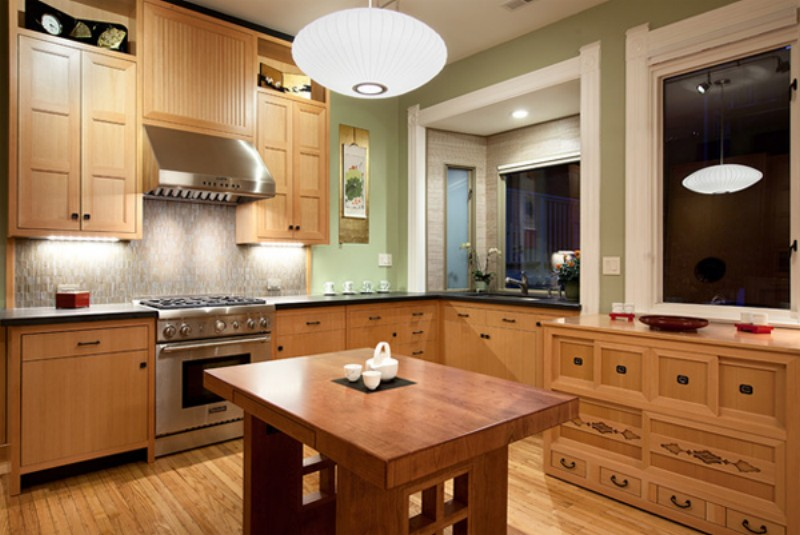 Современная деревянная кухня