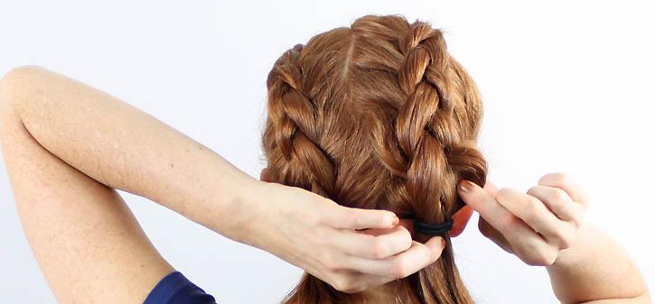 Французская коса с четырех прядей