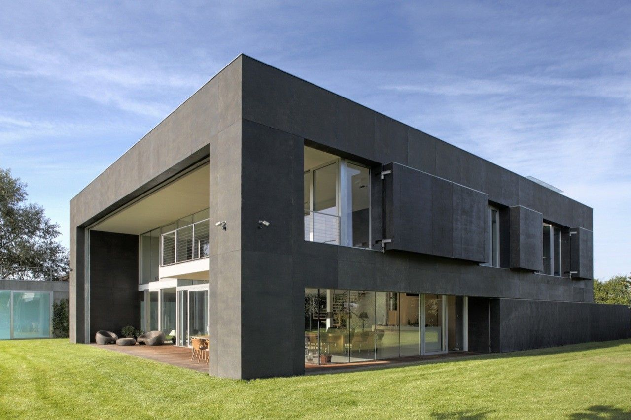 10 Домов, способные пережить нашествия зомби