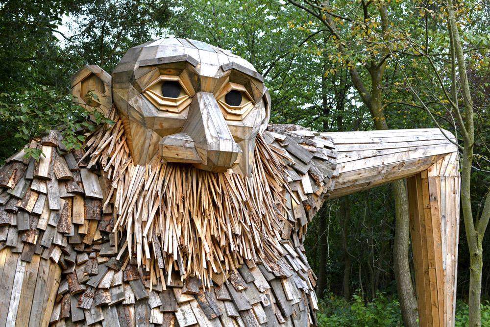 Дружественные гиганты из переработанной древесины в лесах Копенгагена
