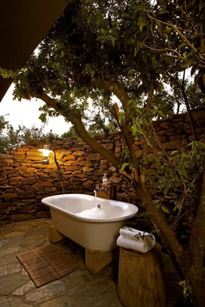 20+ Потрясающих ванных на свежем воздухе