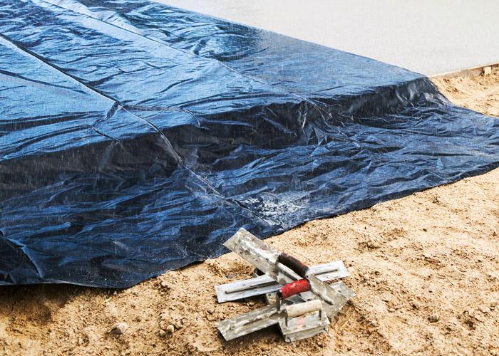 Секреты заливки бетона в летнюю жару