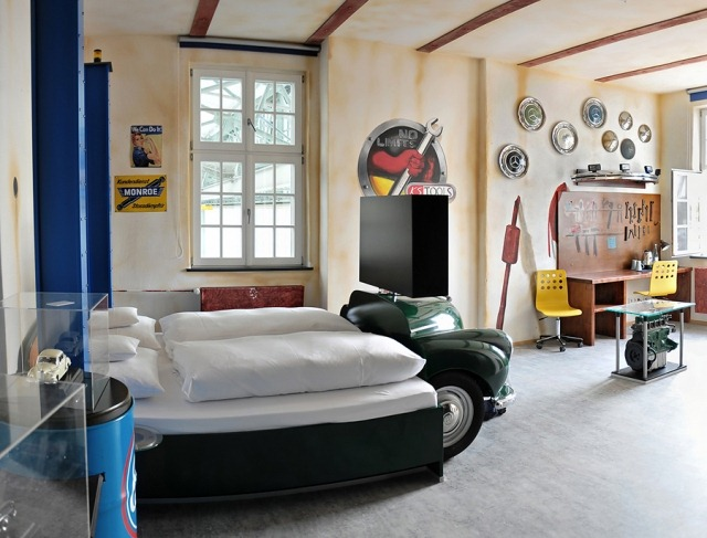 Отель V8 Для автолюбителей