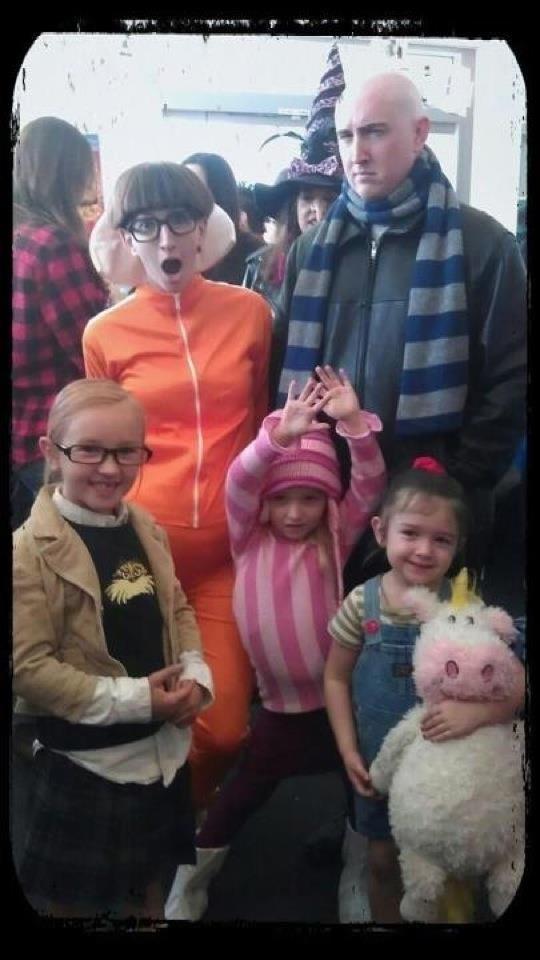 Семейные костюмы на Хэллоуин. ТО
