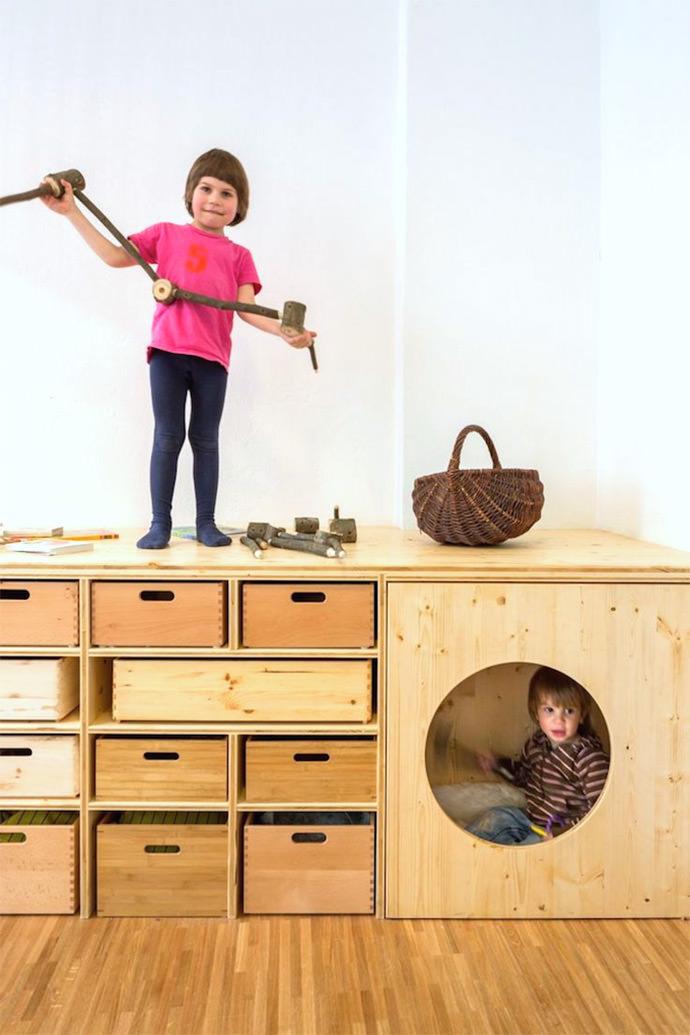 Интересные стеллажи для детской комнаты