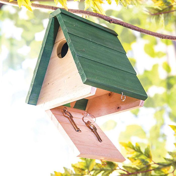 25 Тайников в доме, которые помогут скрыть ценные вещи от воров